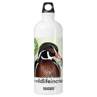 wildlife_in_crisis_duck_water_bottle-r84f6fb059f0a4030948d525dee2e85f6_zlglf_324